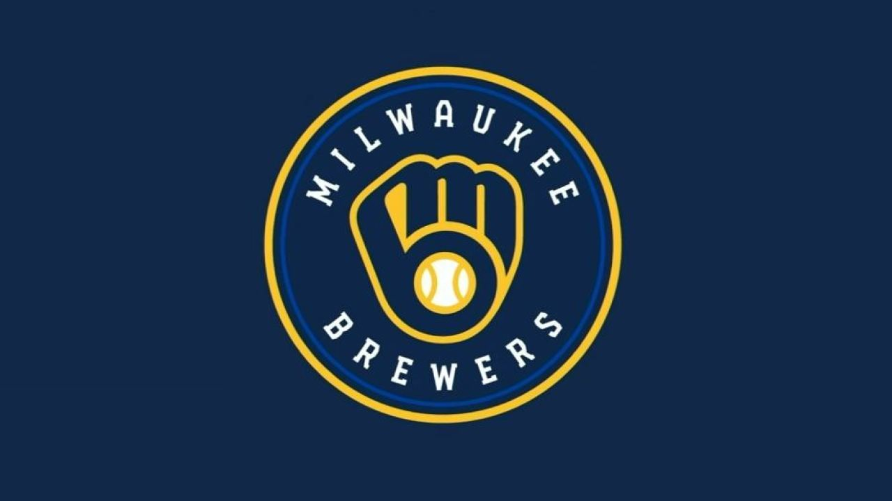 Milwaukee Brewers return to modernized \