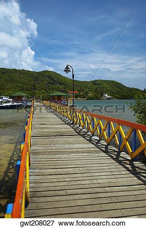 Picture of Pier in the sea, Lovebird's Bridge, Providencia.