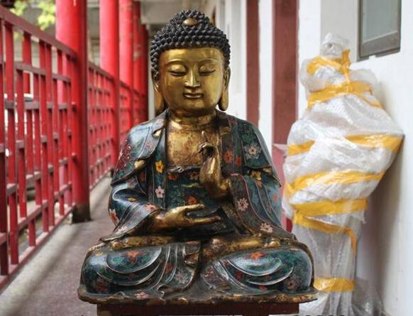 Popular Great Buddha Statue.