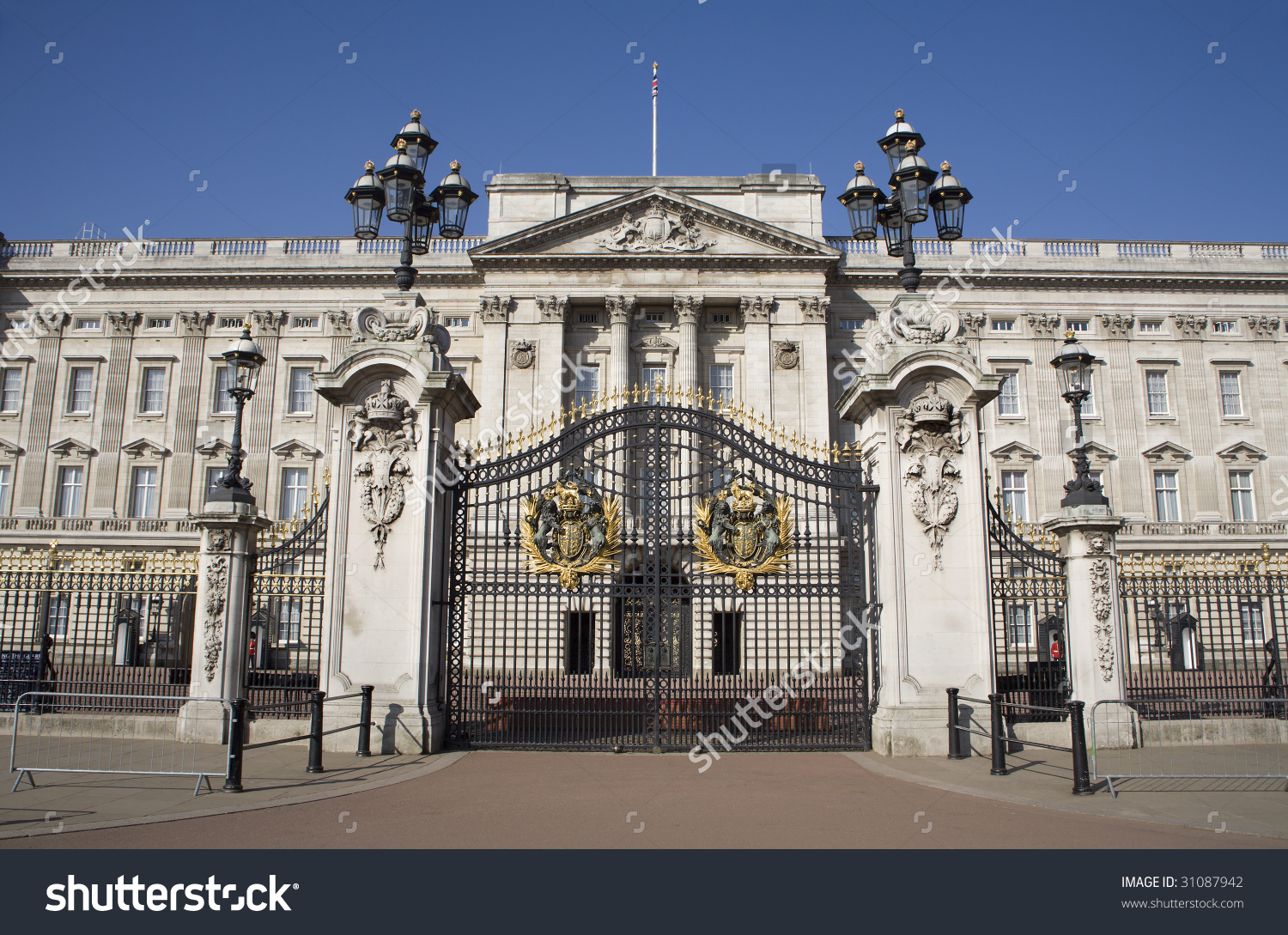 London Buckingham Palace Gate Stock Photo 31087942.