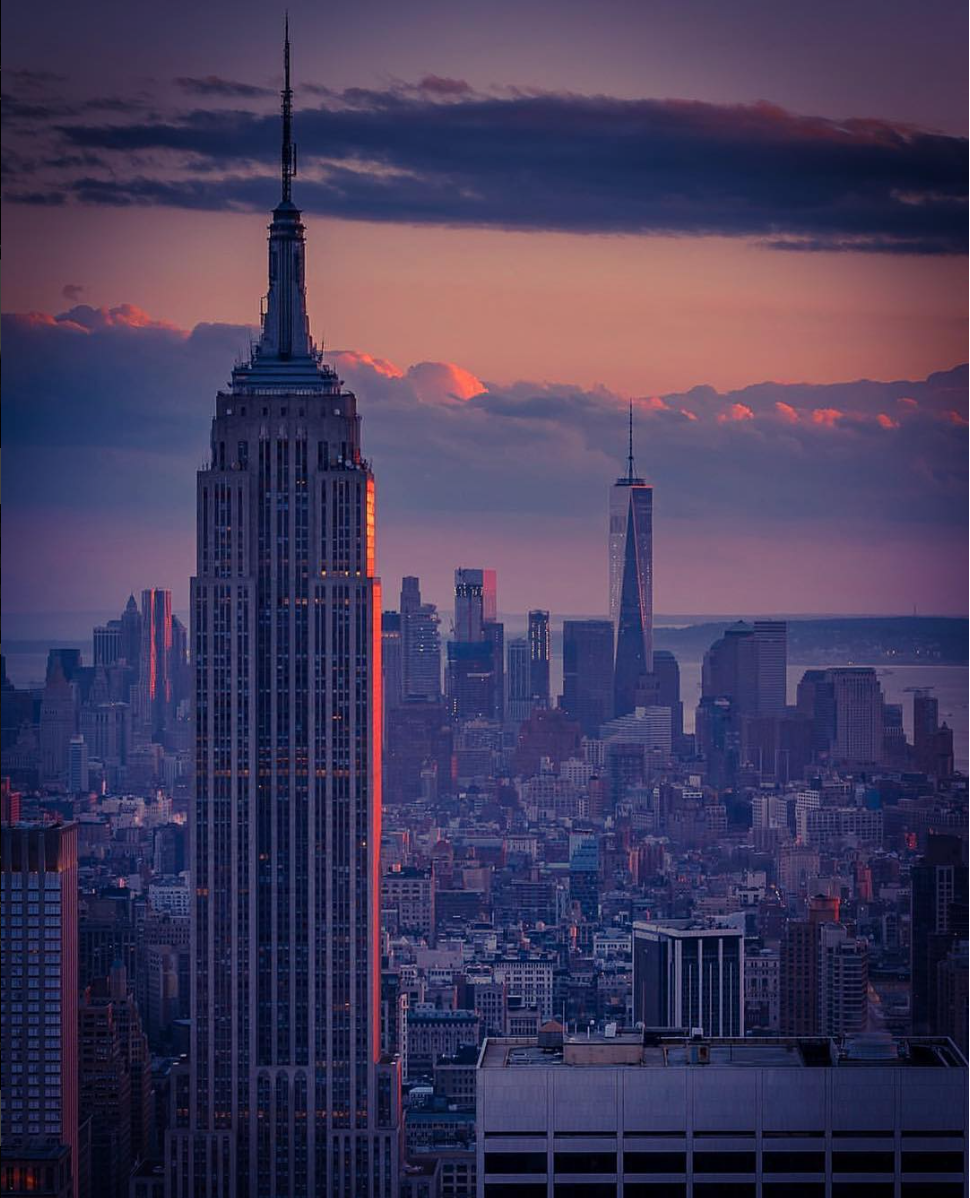 File:Empire State Building with 1WTC in background.png.