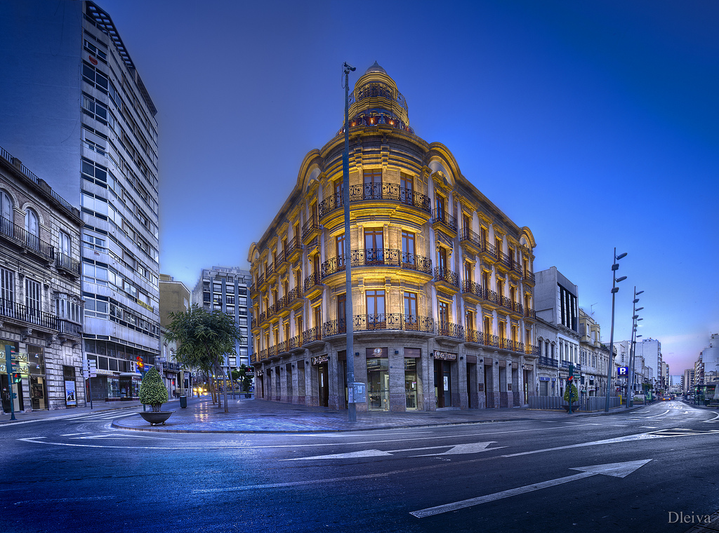 Edificio de las Mariposas (Puerta de Purchena, Almería, Sp….