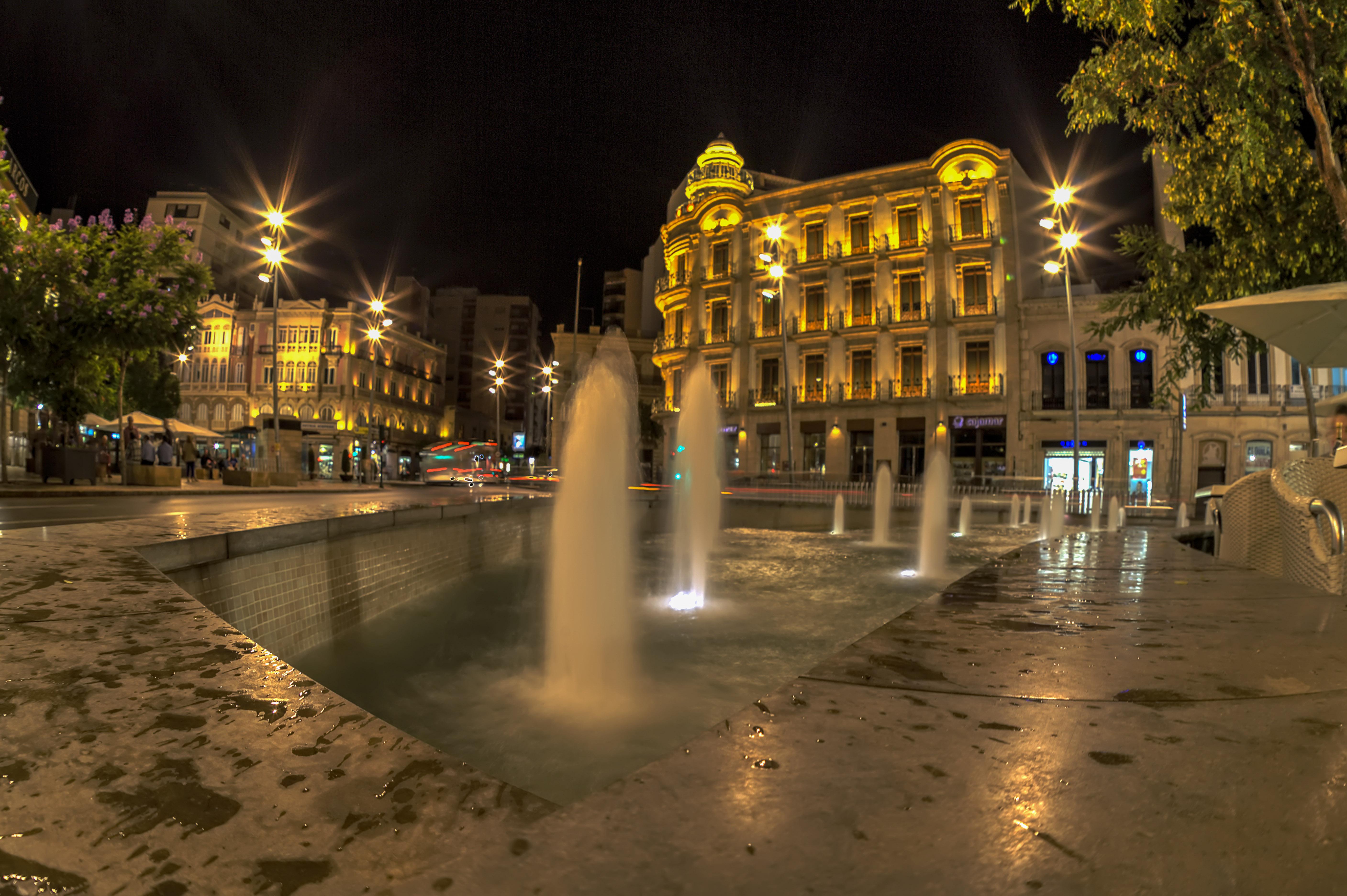 File:Puerta Purchena. Almería.jpg.