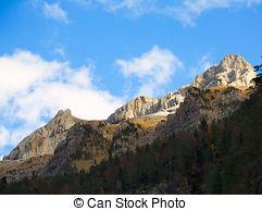 Stock Images of Mondarruego Galinero Tozal de Mayo Pyrenees Valle.