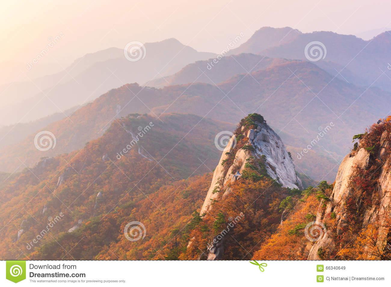 Autumn,sunrise Of Baegundae Peak, Bukhansan Mountains In Seoul.