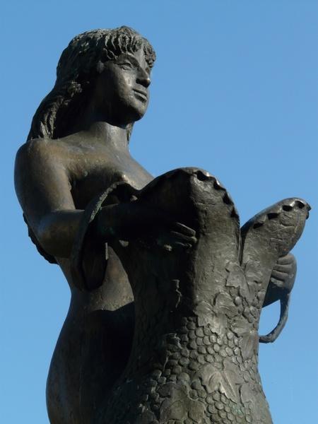 Bullayer brautrock statue woman Free stock photos in JPEG (.jpg.