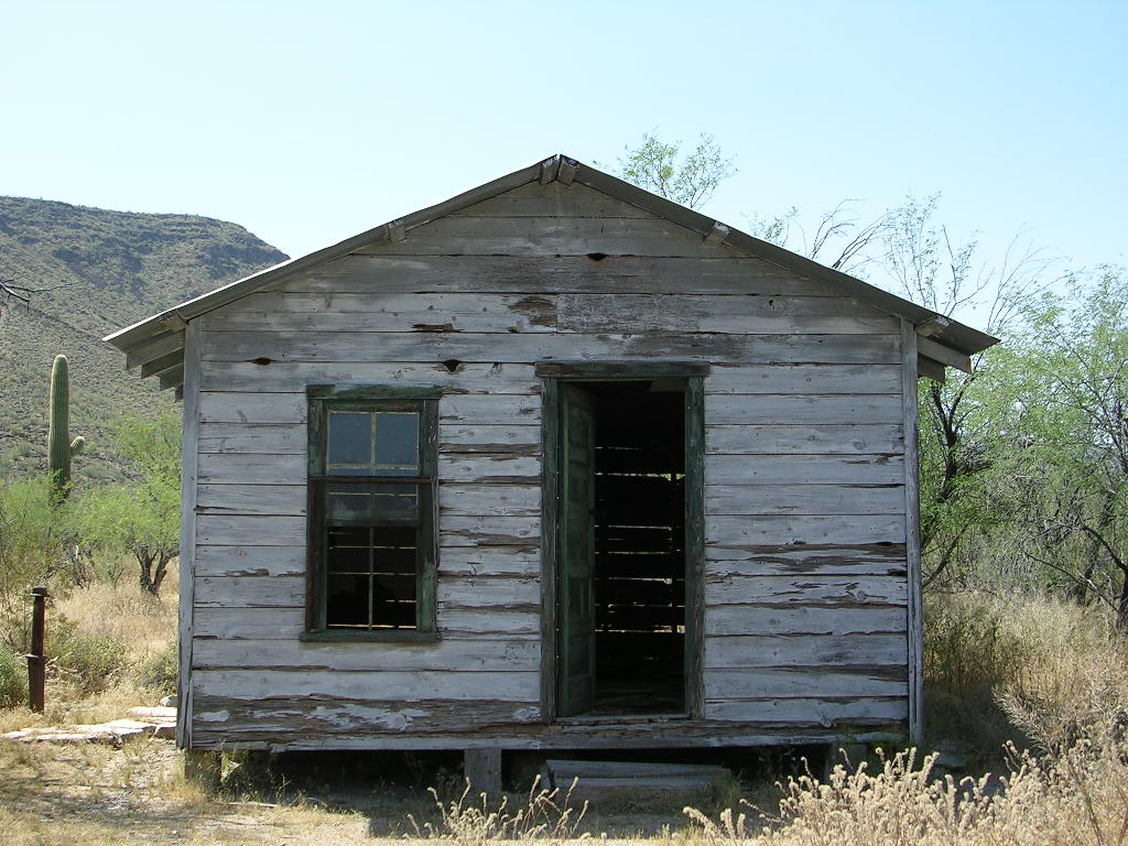 File:Bates Well Ranch bunkhouse.JPG.