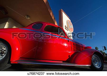 Picture of Classic cars and hot rods at 1950's Diner, Bob's Big.