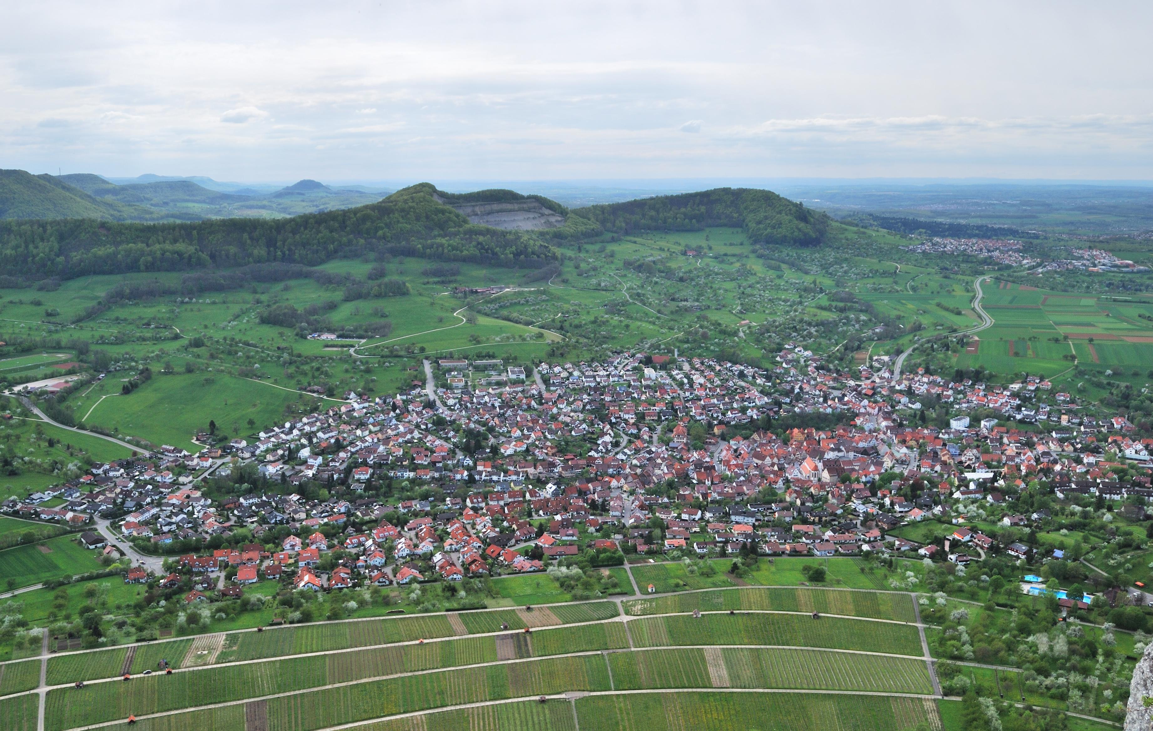 File:Neuffen von der Burg Hohenneuffen.jpg.