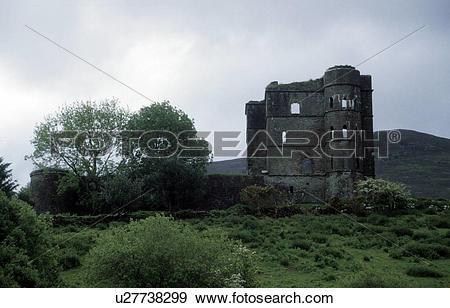 Stock Photograph of hill, burgruine, green, glenbeigh, clouds.