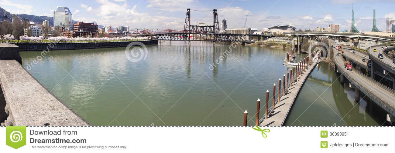 Willamette River View From Burnside Bridge Stock Image.