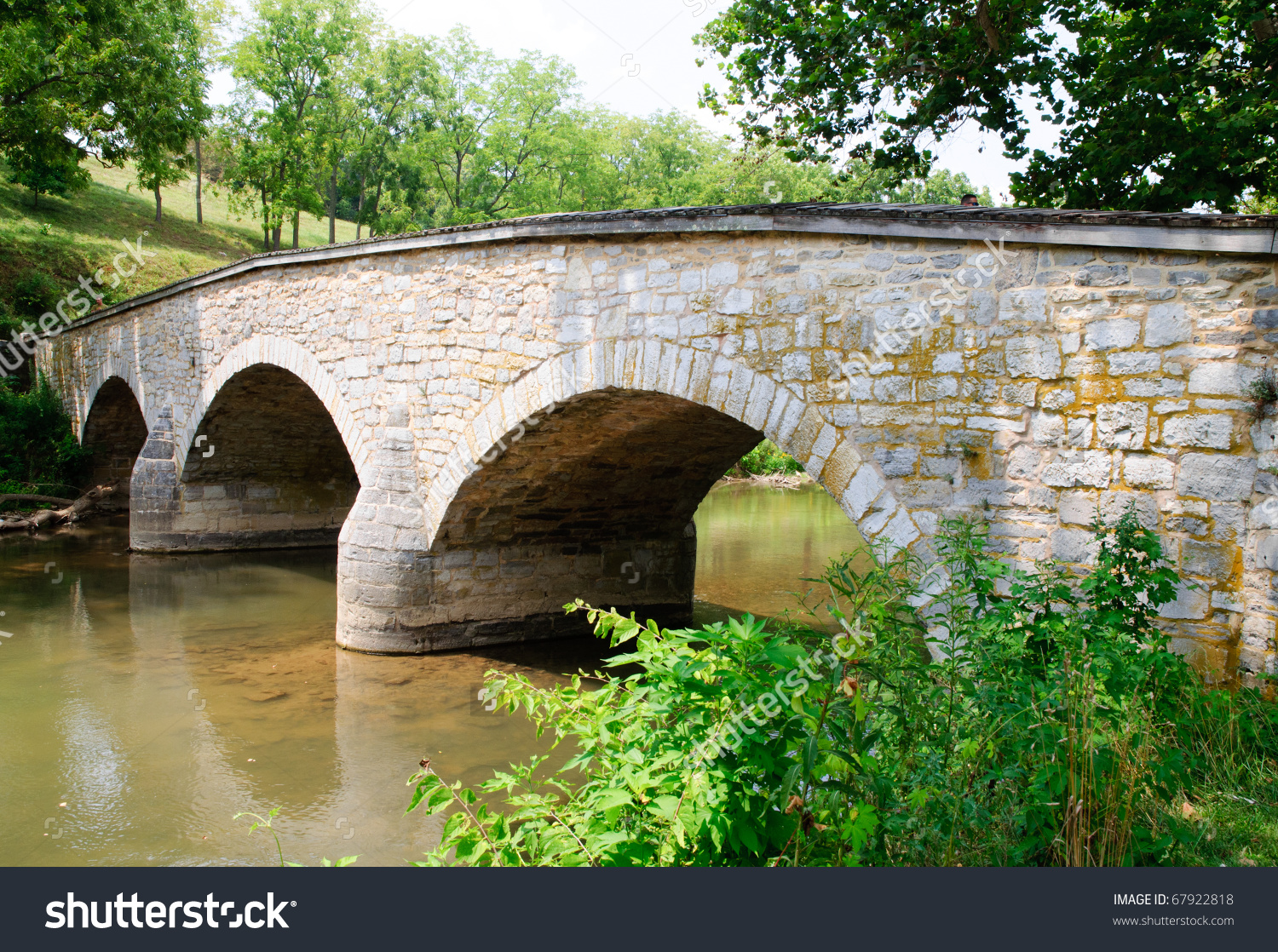 Burnside Bridge Over Antietam Creek Stock Photo 67922818.