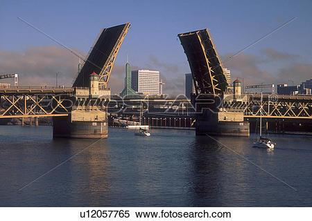 Stock Image of Burnside Bridge, Open u12057765.