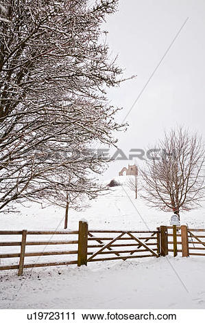 Stock Photography of England, Somerset, Burrowbridge. Snow.