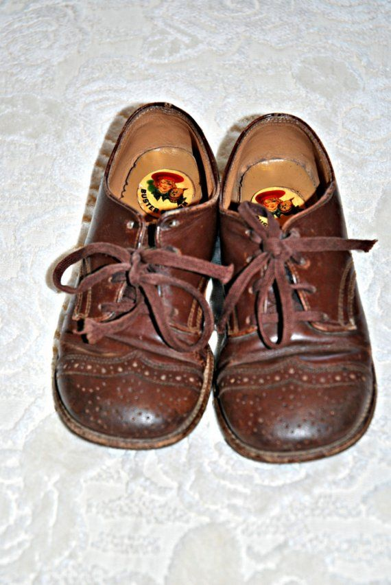 VINTAGE BUSTER BROWN KIDS SZ 8 LEATHER SADDLE SHOES from.