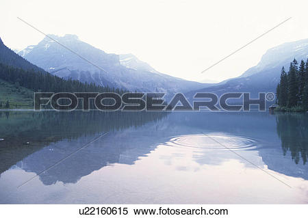 Stock Image of The Canadian Rockies And Emerald Lake u22160615.