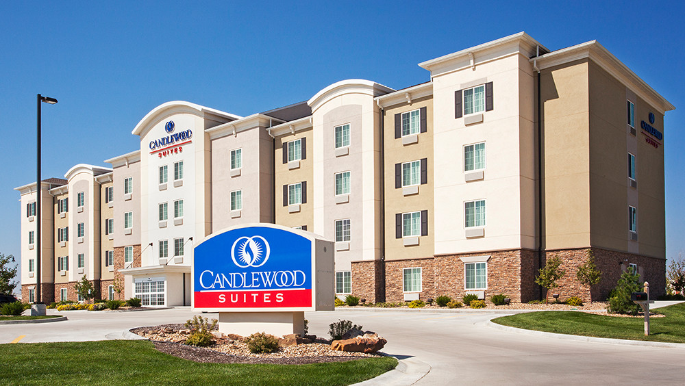 Candlewood Suites®.