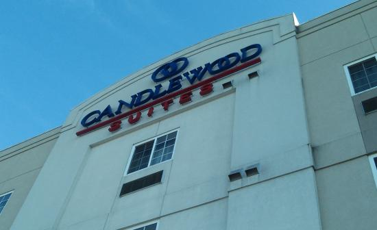 The Candlewood Suites logo.