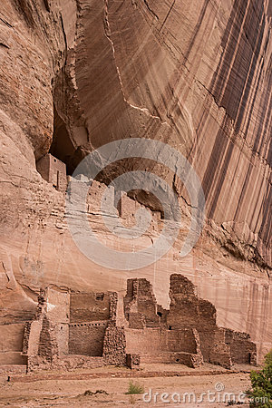 White house ruins trail canyon de chelly clipart.