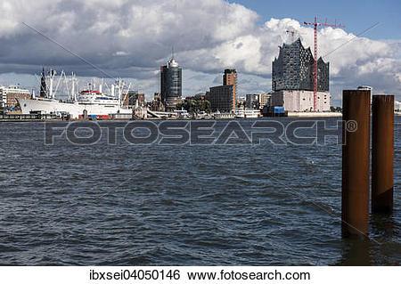 Stock Images of Elbphilharmonie mit Schiff Cap San Diego und.