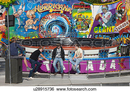 Stock Images of England, Oxfordshire, Abingdon. Carnies at sitting.