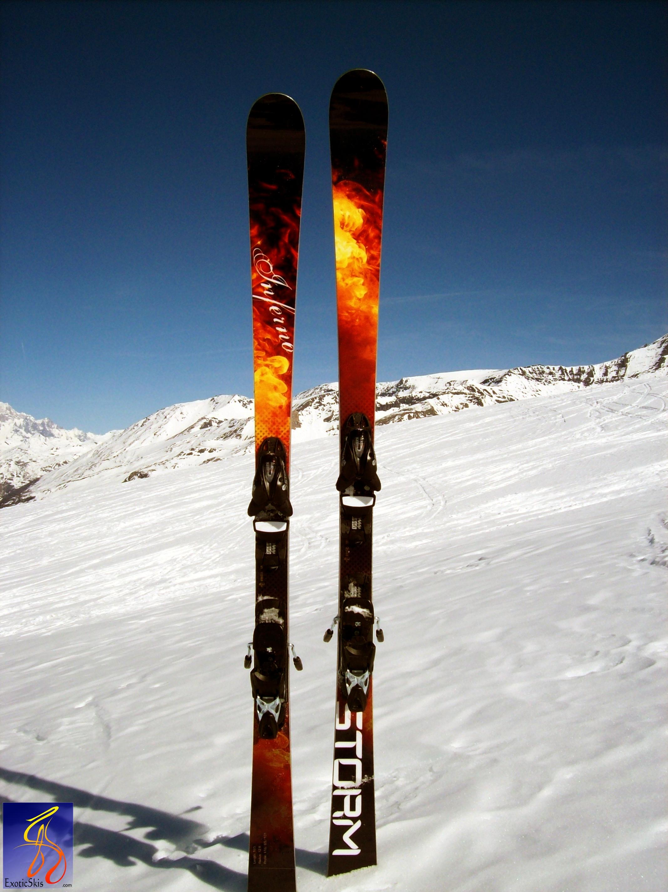 Skis.