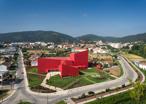 Casa das Artes art and culture centre with bright red walls.