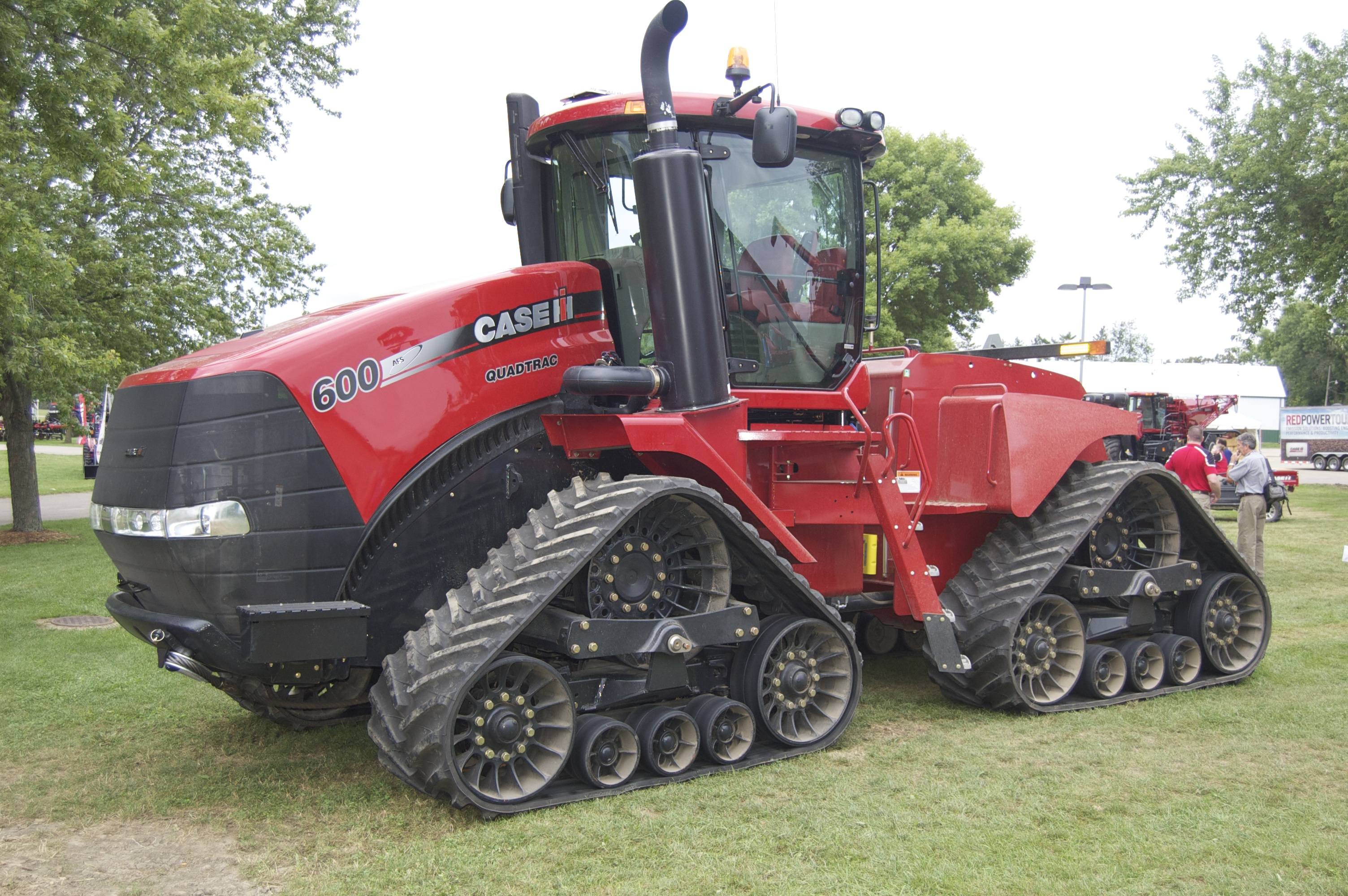 Case IH Steiger Rowtrac Tractors Fight Compaction, Offer Versatility.