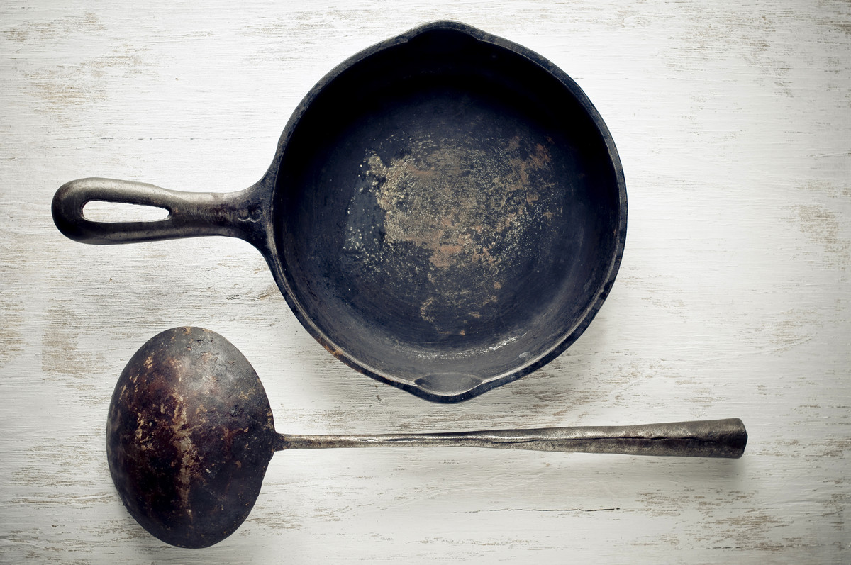 The 3 Deadly Sins Of Cast Iron Skillet Care (PHOTOS).