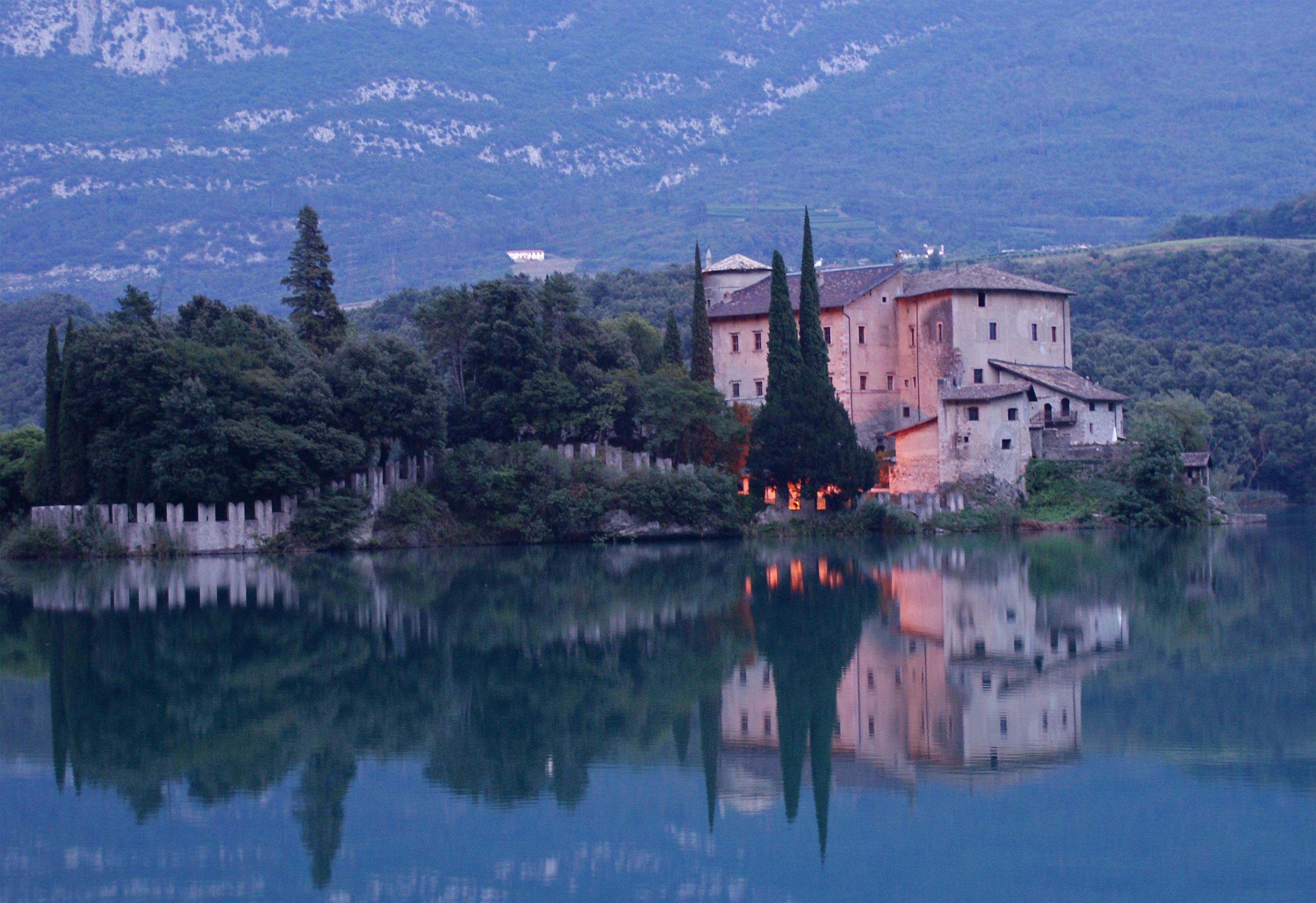 Castel Toblino, a photo from Trento, Trentino Alto Adige.