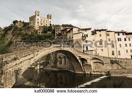 Pictures of Italy, Liguria, Dolceaqua, Castle Castello dei doria.