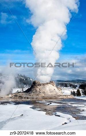 Pictures of Castle Geyser erupting on a winter day at Yellowstone.