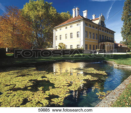 Stock Image of Pond in front of castle, Frohnburg Castle, Salzburg.