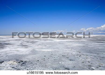 Stock Image of Great Salt Lake with Castle Rock u16615195.