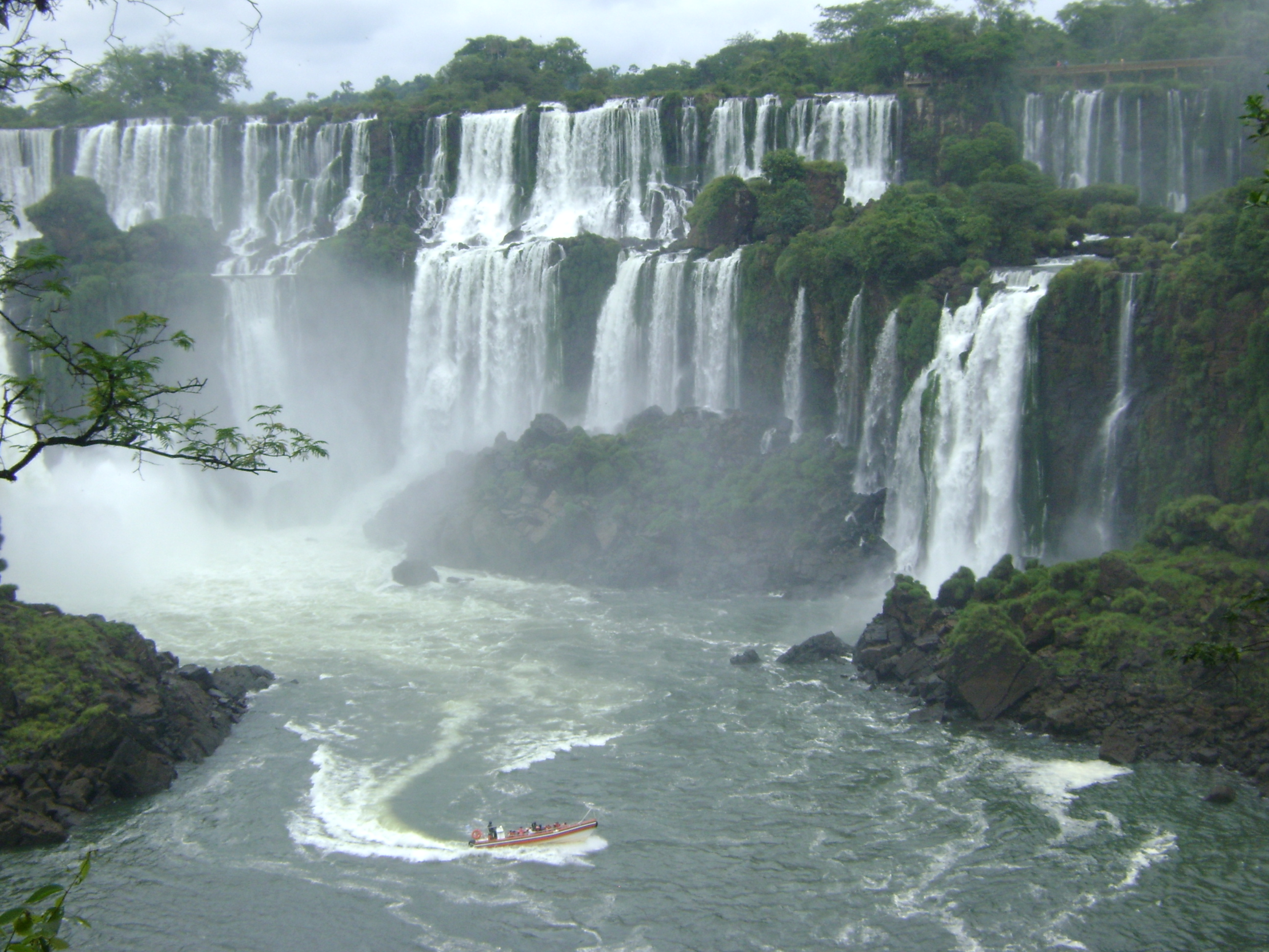 1632x1224px Cataratas Del Iguazu Backgrounds by Nicolas Landau.