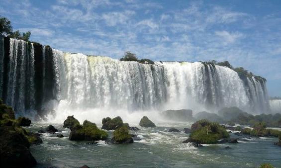 Misiones: Cataratas del Iguazú recibió más turistas que el año pasado.
