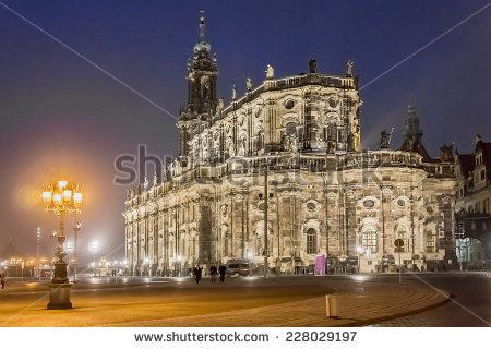 Katholische Hofkirche Lizenzfreie Bilder und Vektorgrafiken kaufen.