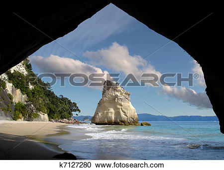 Stock Photography of Coast near the Cathedral Cove k7127280.