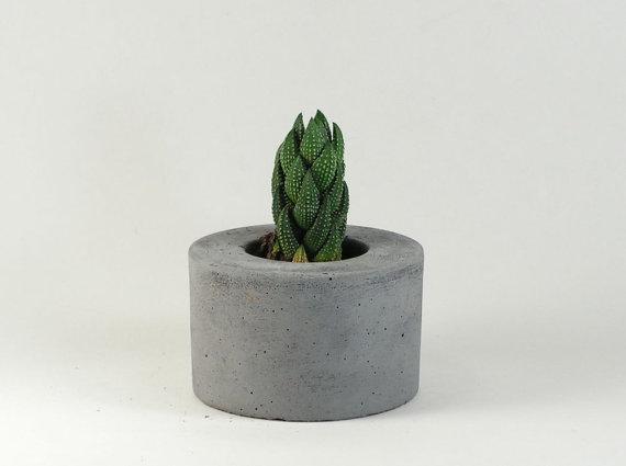 Mini Mini Round Concrete Pot / Concrete Planter by roughfusion.