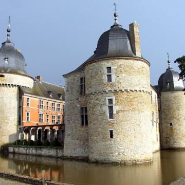 Visites culturelles et touristiques à Châteaux (Belgique).