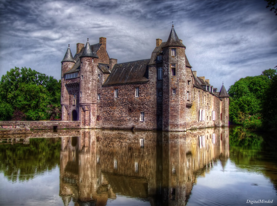 Chateau de Trecesson by digitalminded on DeviantArt.