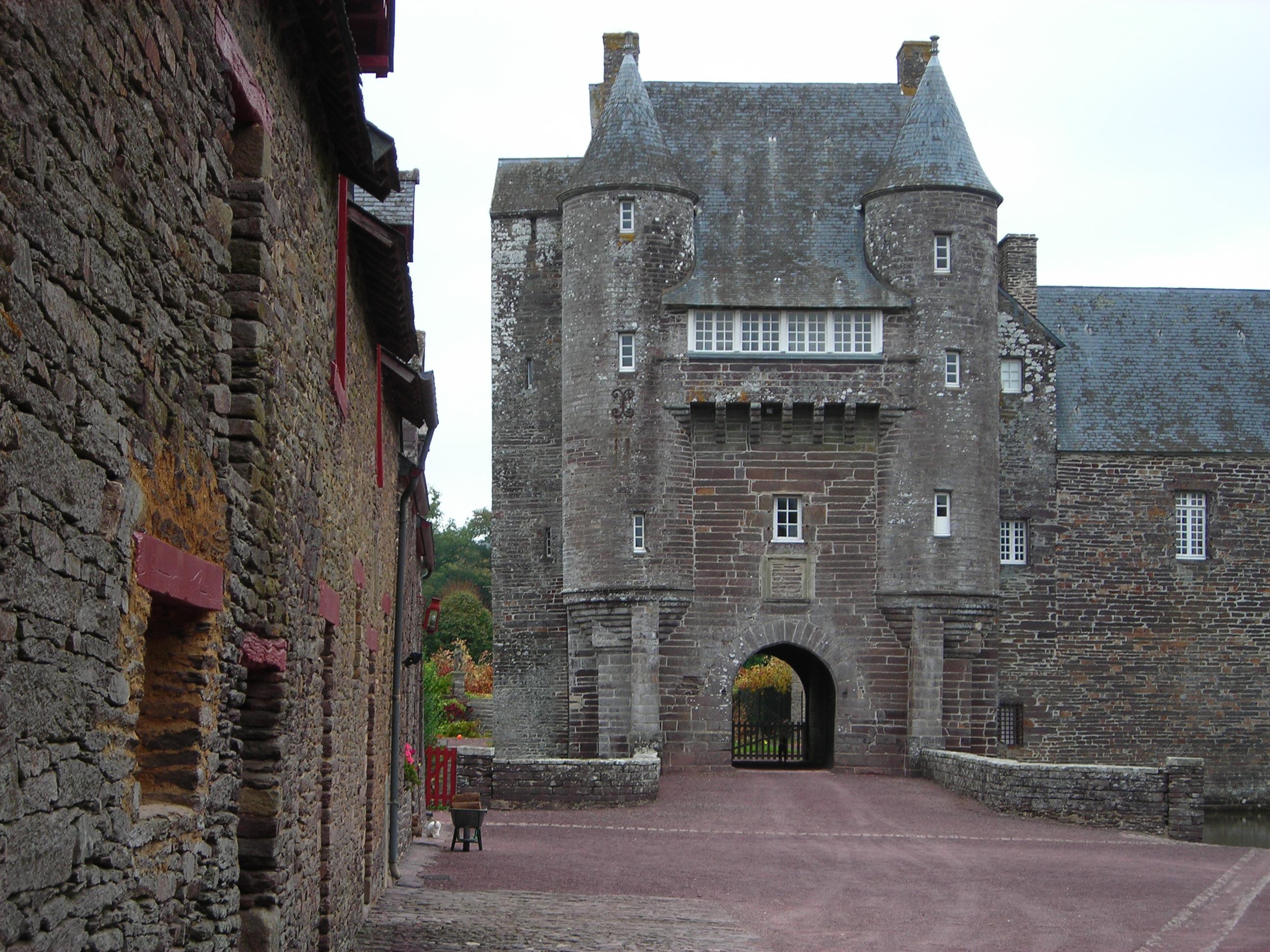 File:Chateau de Trecesson (56) 5784.jpg.