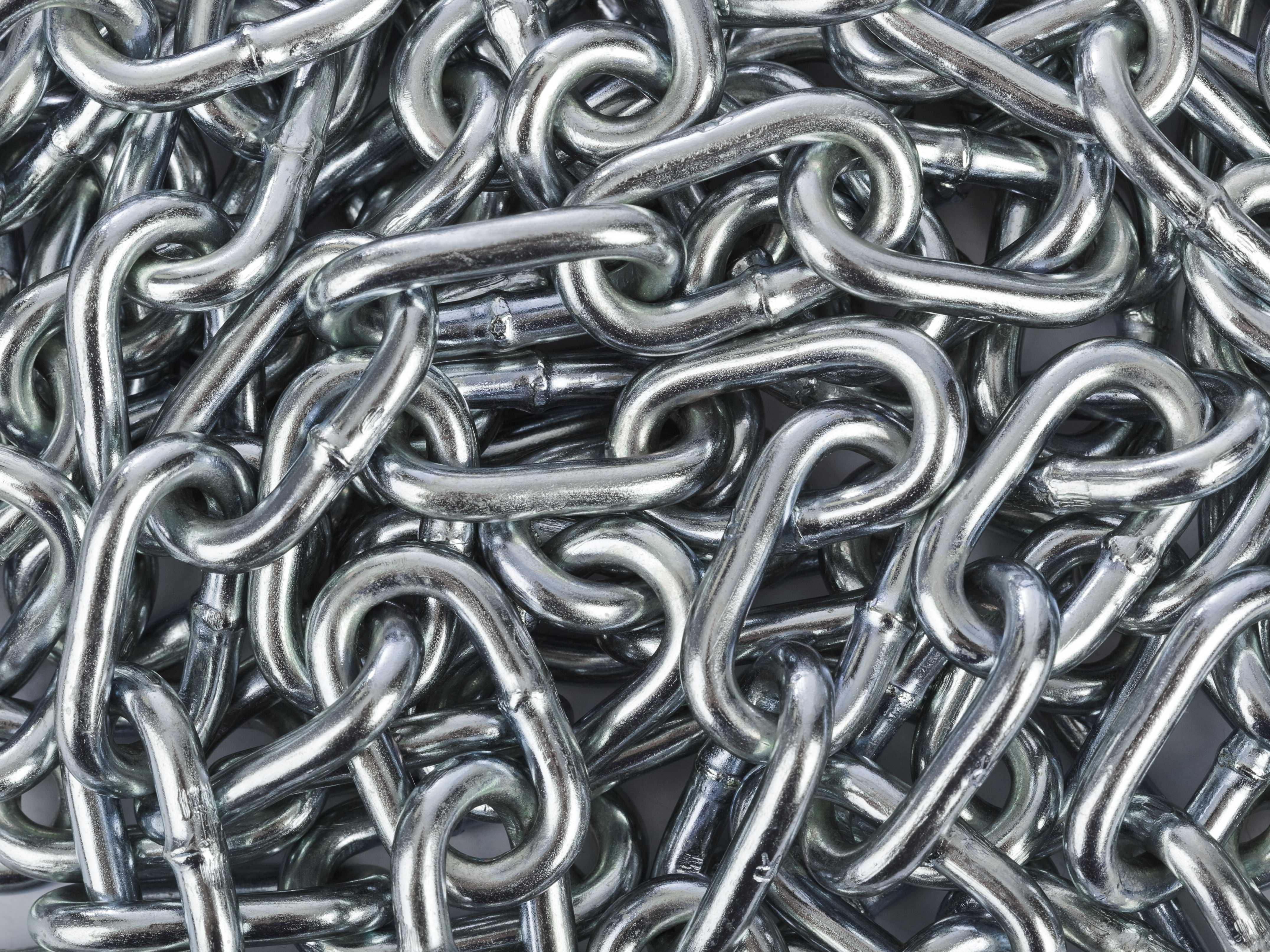 How metal chains are made.
