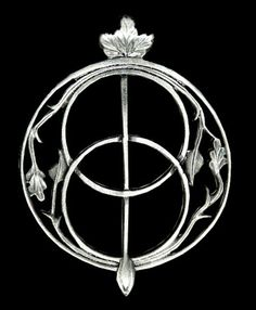 "Brooch ""Chalice Well"", Vesica Piscis."