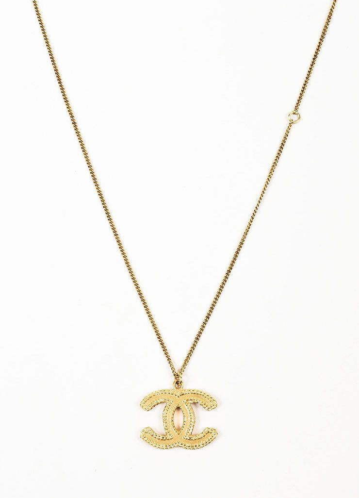 Gold Toned Chanel Textured \'CC\' Logo Pendant Chain Necklace.