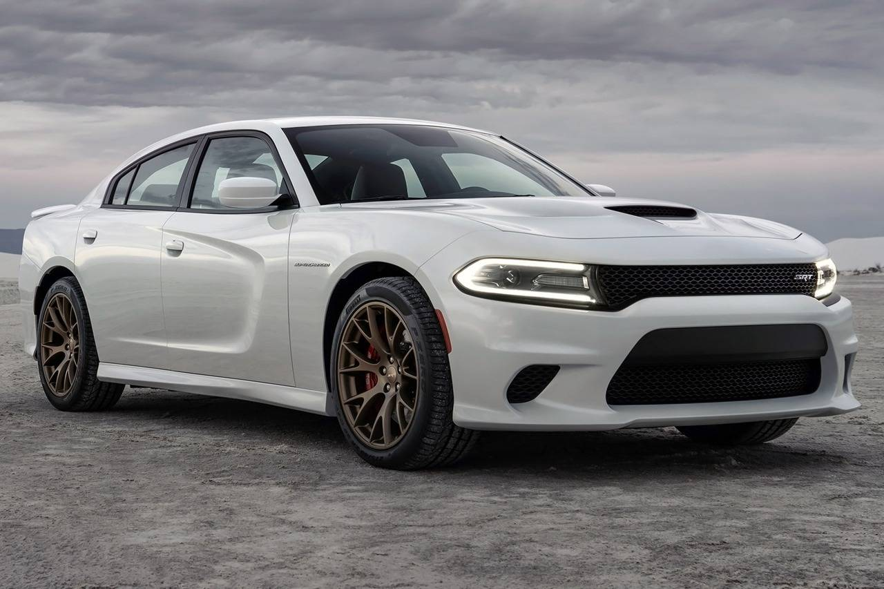 2016 Dodge Charger SRT Hellcat Pricing & Features.