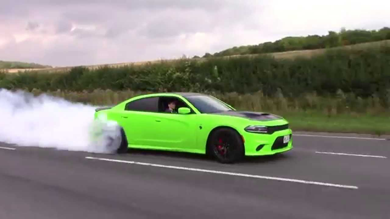 Dodge Charger Hellcat.