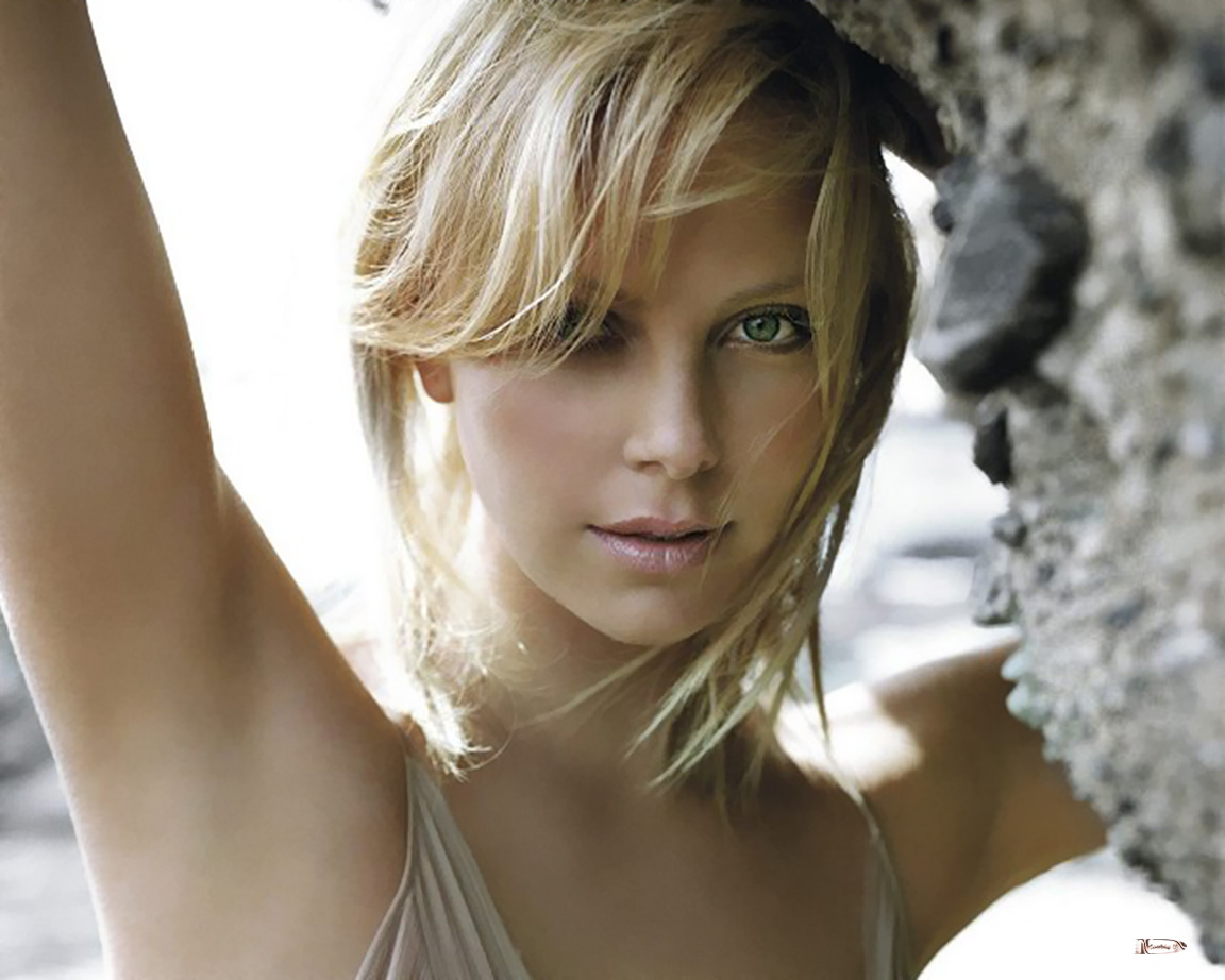 Charlize theron y clipart.