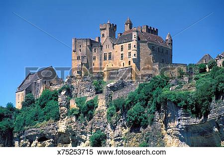 Stock Image of Hilltop castle, Beynac, France x75253715.