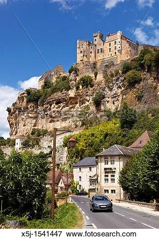 Picture of Chateau on the cliff at Beynac et Cazenac, Dordogne.